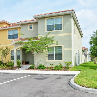 (5PPT89CT51) 5 Bedroom Disney Town home is Paradise.