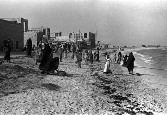 Corniche-Abu-Dhabi-1948-Wilfred-Thesiger-540x371
